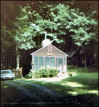 1974-Model 1936 Cabin (Bob Eckler photo-courtesy Bill Starr)